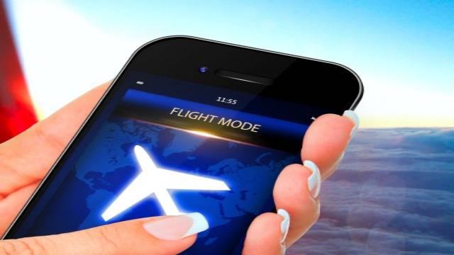 Image result for موبایل در هواپیما